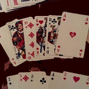 Einem Pokerface schaut man nicht in die Karten
