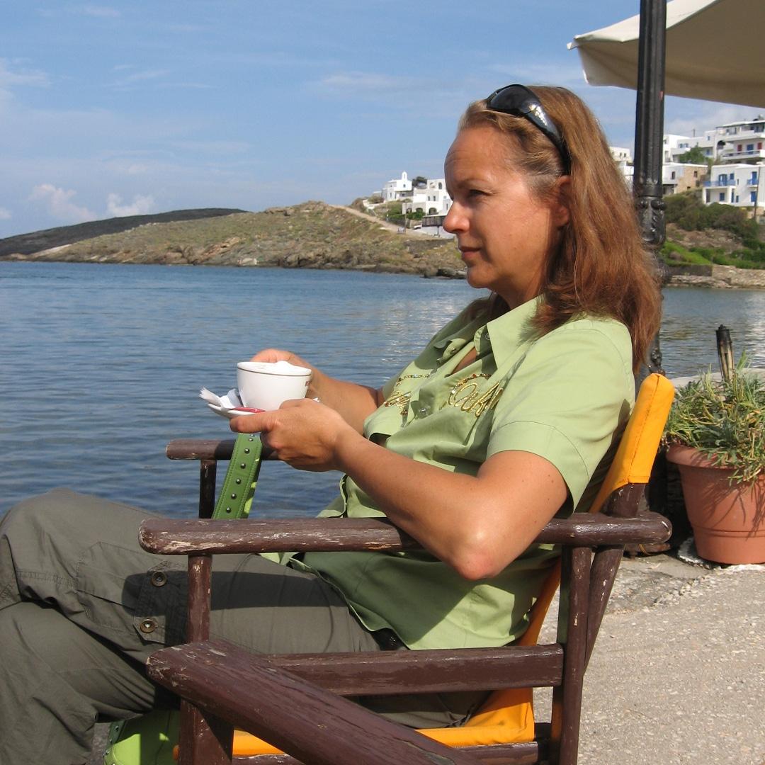 Beatrice Fischer-Stracke auf einem Törn in Griechenland